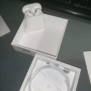 Apple Airpods & Apple Watch Series 3 42mm Bundle